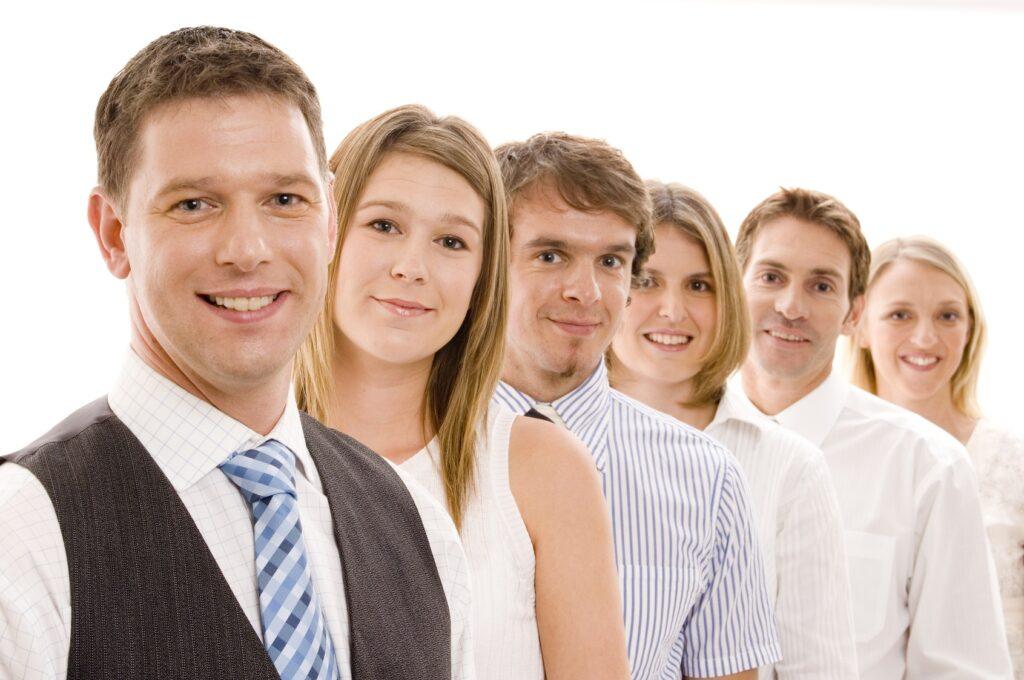 TEMA-Q GmbH_Unternehmen_zeigt eine Gruppe von Mitarbeitern